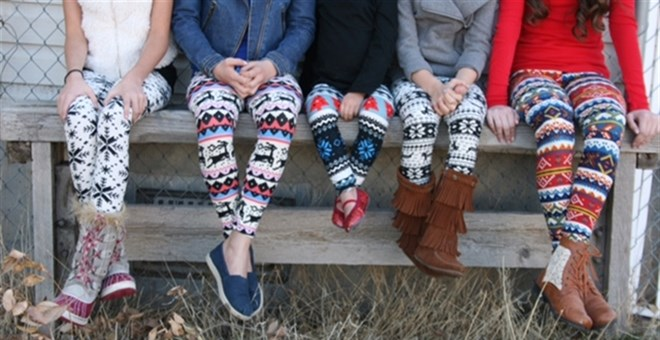 $8.99 | HOLIDAY LEGGINGS FOR GIRLS!