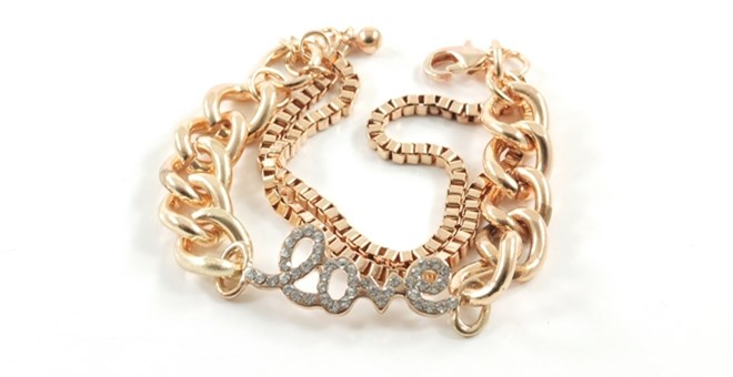 """LOVE"" Chain link Bracelet in Gold"