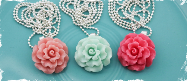 Ruffle Rose Cabochon Necklace