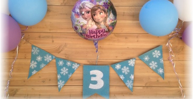 Frozen Inspired Birthday Burlap Banner!! Plus OTHER Birthday Banners!